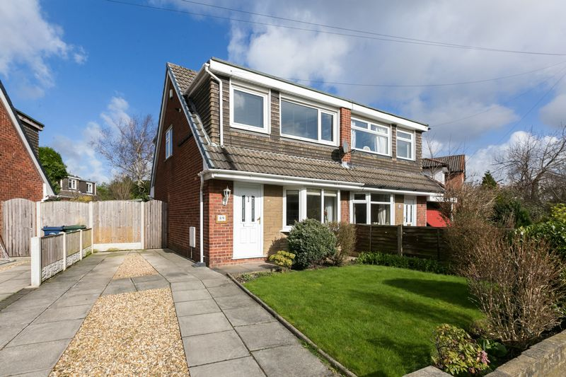 3 Bedrooms Semi Detached House for sale in Fairhurst Drive, Parbold, WN8 7DP