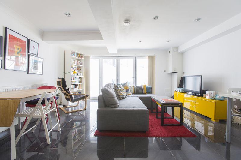 1 Bedroom Property for sale in Median Road, Hackney, E5