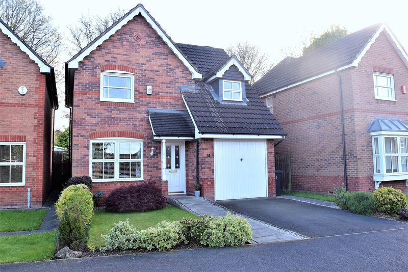 3 Bedrooms Detached House for sale in Lower Meadow Drive, Congleton