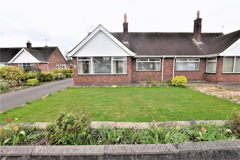 2 Bedrooms Semi Detached Bungalow for sale in Extended Bungalow On Cornwall Close, Congleton, No Chain