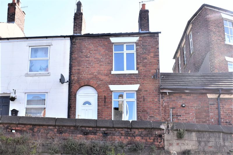 2 Bedrooms House for sale in Refurbished Terrace on Rood Hill, Congleton