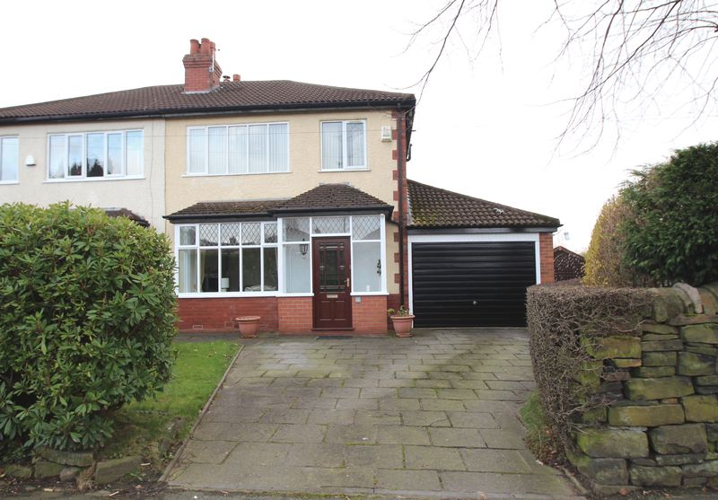 3 Bedrooms Semi Detached House for sale in Werneth Road, Woodley