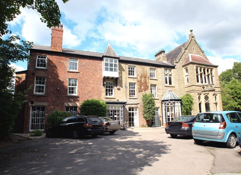 2 Bedrooms Flat for sale in Harrytown Hall, Harrytown, Romiley