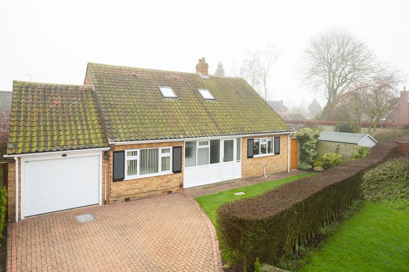 3 Bedrooms Detached Bungalow for sale in Sandstock Road, York