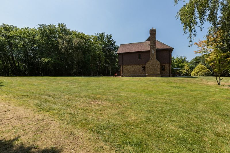 Photo 36 Grove Hill, Hellingly, East Sussex, BN27