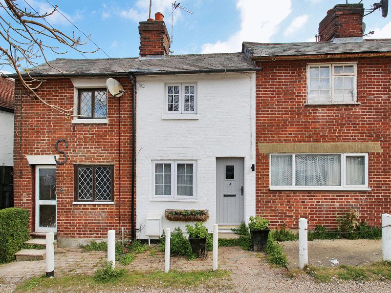 2 Bedrooms Terraced House for sale in North Row, Uckfield, East Sussex