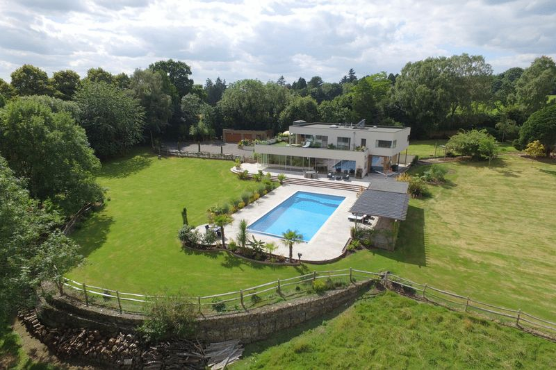 4 Bedrooms Detached House for sale in Nursery Lane, Fairwarp, East Sussex
