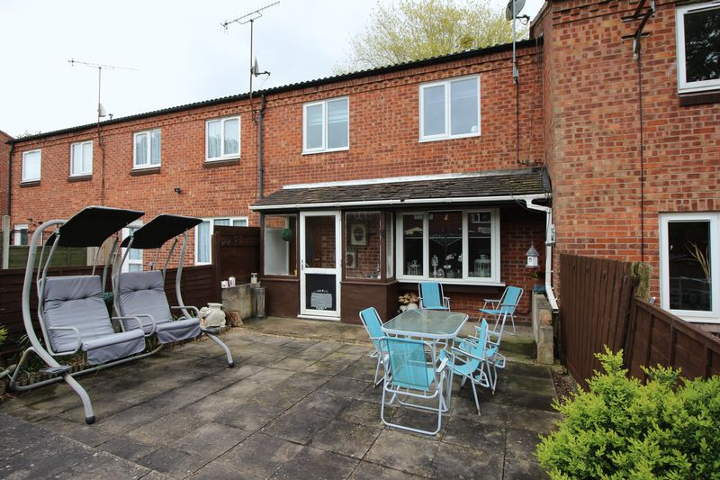 3 Bedrooms Terraced House for sale in Exhall Close, Redditch