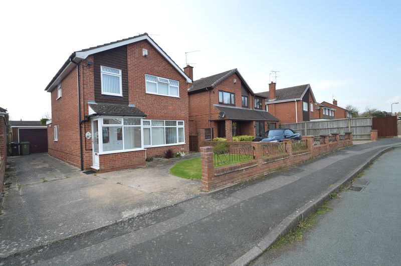 3 Bedrooms Detached House for sale in Atherstone Close, Matchborough East