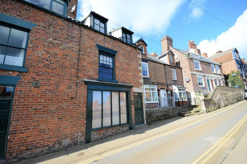 1 Bedroom Cottage House for sale in Cliff Street, Whitby