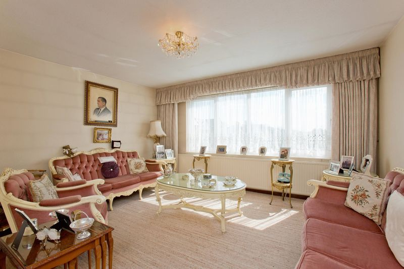 2 Bedrooms Flat for sale in Bridge Lane, Temple Fortune, NW11