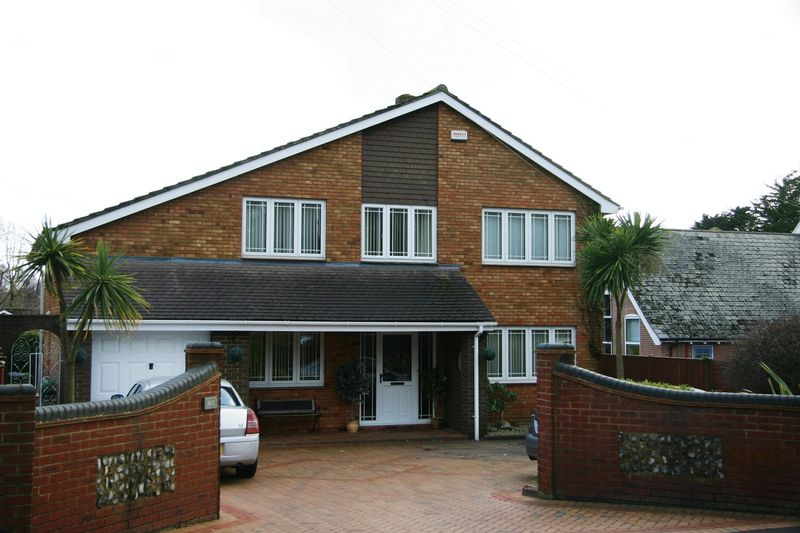 Warsash Road, Warsash, SO31