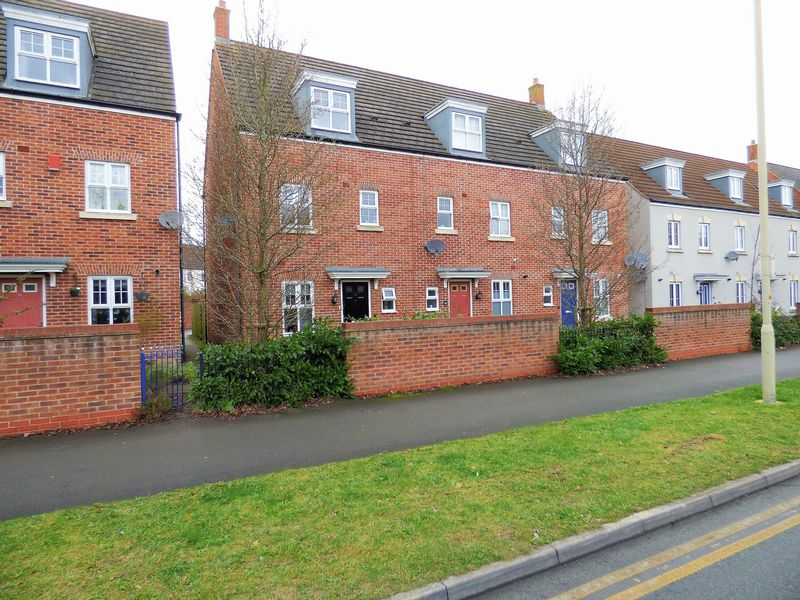 4 Bedrooms House for sale in Woodvale Kingsway, Gloucester