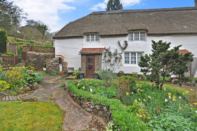 3 Bedrooms Cottage House for sale in Cockington Lane, Torquay