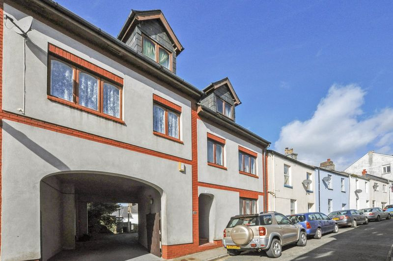 2 Bedrooms Semi Detached House for sale in Church Lane, Torquay