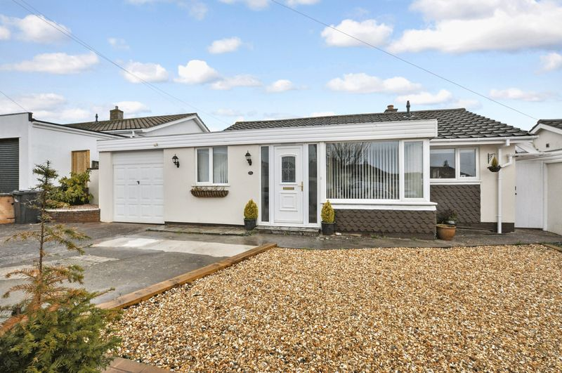 2 Bedrooms Detached Bungalow for sale in Preston Down Road, Paignton