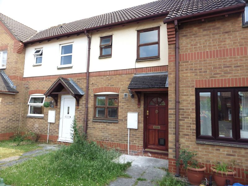 2 Bedrooms Terraced House for sale in Honeysuckle Close, Bradley Stoke