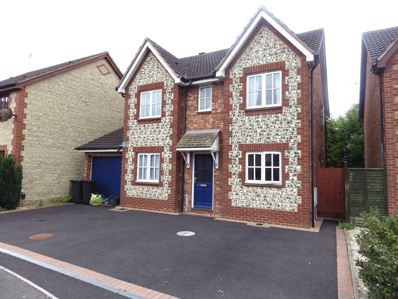 4 Bedrooms Detached House for sale in Juniper Way, Bradley Stoke