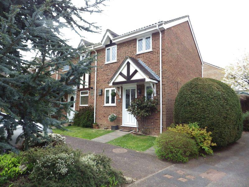 2 Bedrooms Terraced House for sale in Ellan Hay Road, Bradley Stoke
