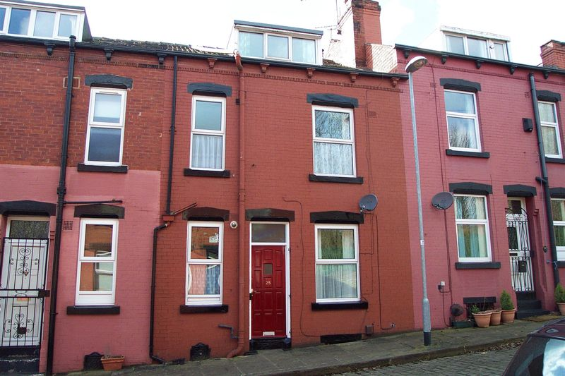 2 Bedrooms Terraced House for sale in Vicarage Street, Leeds