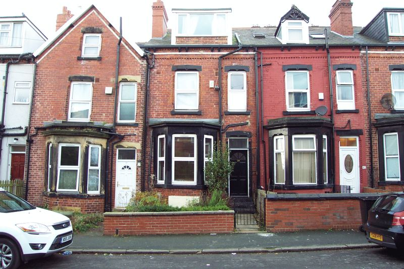 4 Bedrooms Terraced House for sale in Delph Mount, Leeds