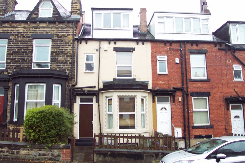 5 Bedrooms Terraced House for sale in Delph Mount, Leeds