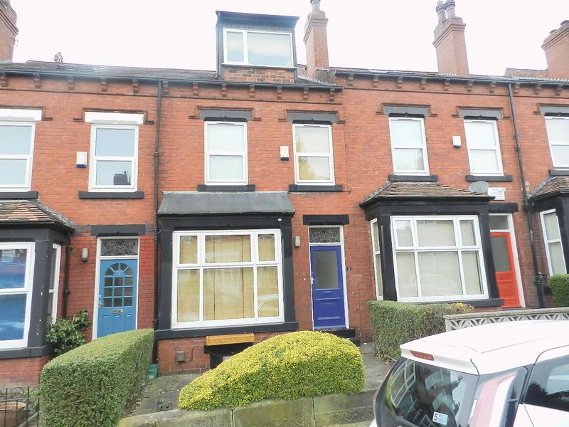 6 Bedrooms Terraced House for sale in Headingley Avenue, Leeds