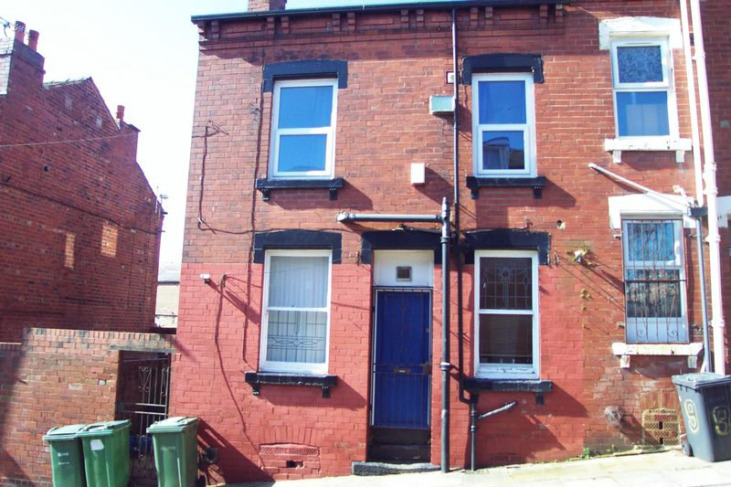 2 Bedrooms Terraced House for sale in Beulah Grove, Leeds