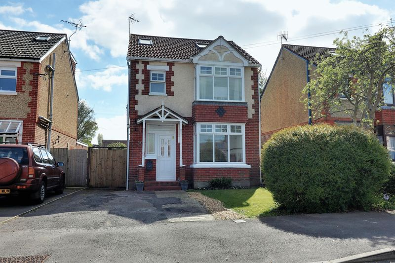 4 Bedrooms Detached House for sale in Bushy Mead, Widley, Waterlooville