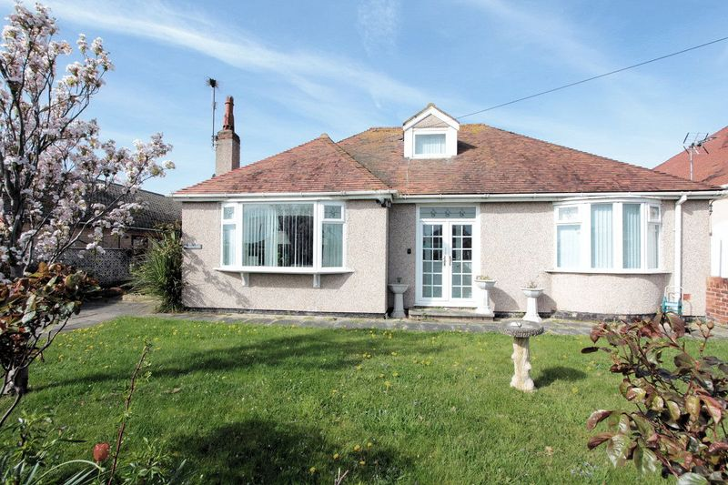 3 Bedrooms Detached Bungalow for sale in Brynhedydd Bay, Rhyl