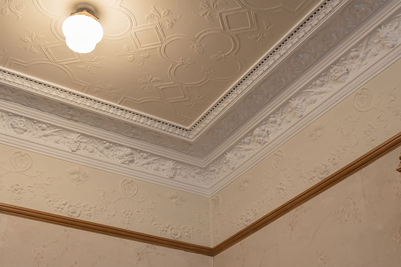 Sitting room frieze & cornice