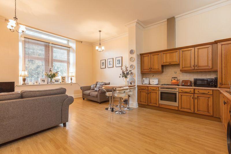 Sitting room & kitchen