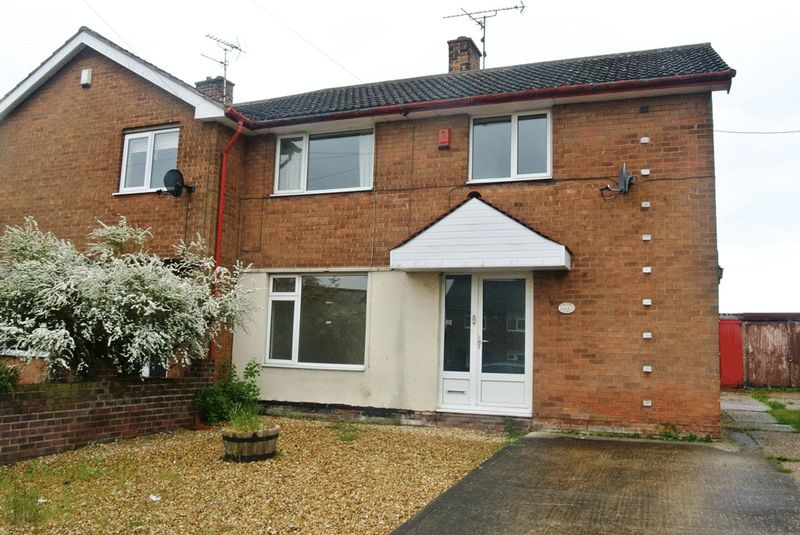 3 Bedrooms Semi Detached House for sale in Egmanton Road, Mansfield