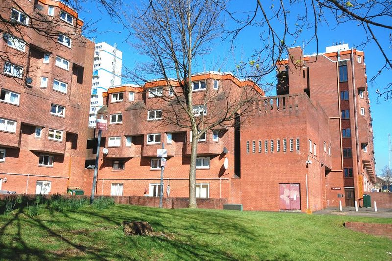 1 Bedroom Flat for sale in 40 Raglan Street, Glasgow