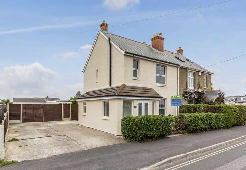 3 Bedrooms Semi Detached House for sale in Sandy Point Road, Hayling Island