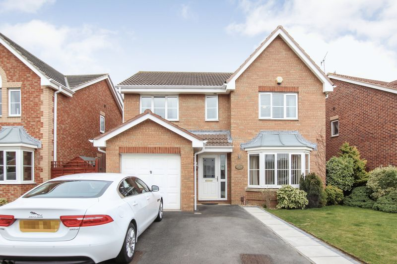 4 Bedrooms Detached House for sale in Torcross Way, Redcar