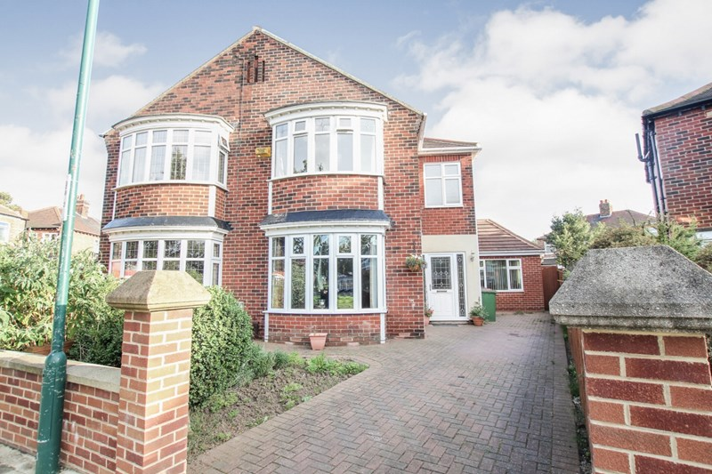 4 Bedrooms Semi Detached House for sale in Ely Crescent, Redcar