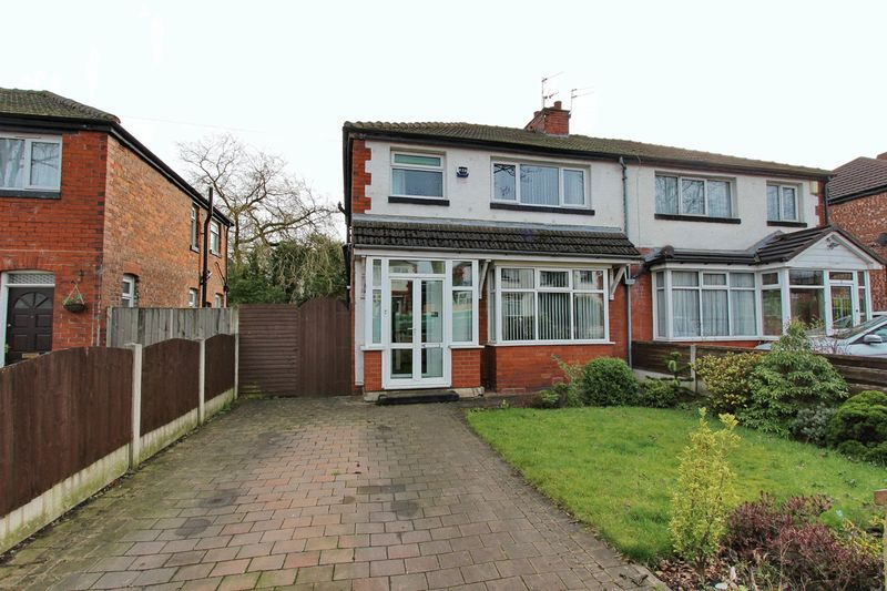 3 Bedrooms Semi Detached House for sale in Windsor Avenue, Whitefield, Manchester