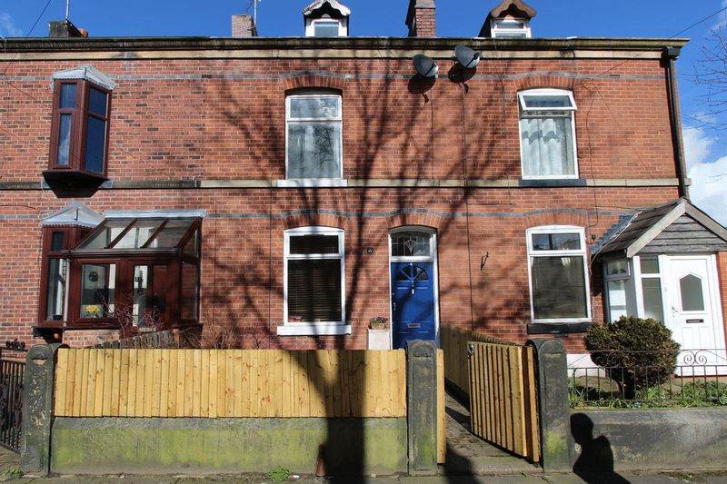 3 Bedrooms House for sale in Nipper Lane, Whitefield, Manchester