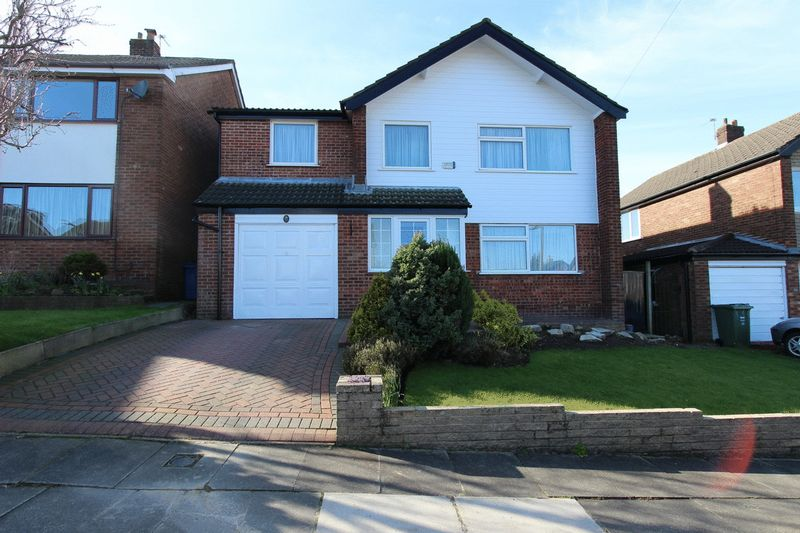 5 Bedrooms Detached House for sale in Burndale Drive, Unsworth, Bury