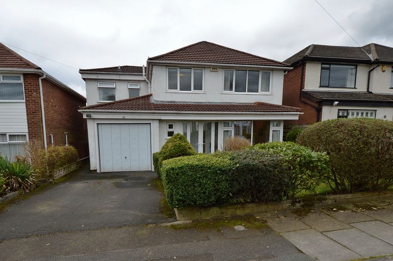 4 Bedrooms Detached House for sale in Ferndale Avenue, Whitefield, Manchester
