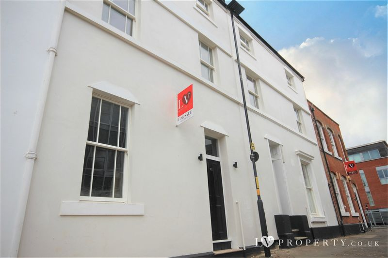 3 Bedrooms Terraced House for sale in Beautiful Townhouse, Jewellery Quarter