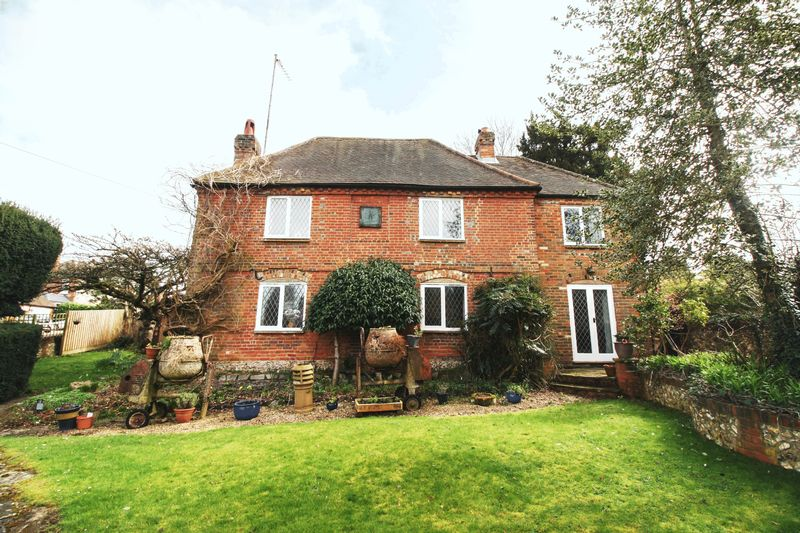 5 Bedrooms Detached House for sale in PENN, HIGH WYCOMBE - Grade II five bedroom family home