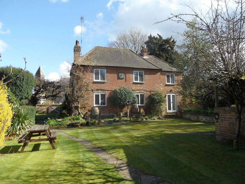 5 Bedrooms Detached House for sale in PENN, HIGH WYCOMBE - Grade II five bedroom family home. No onward chain