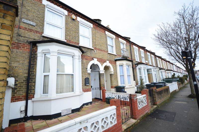 3 Bedrooms Terraced House for sale in Antill Road, N15