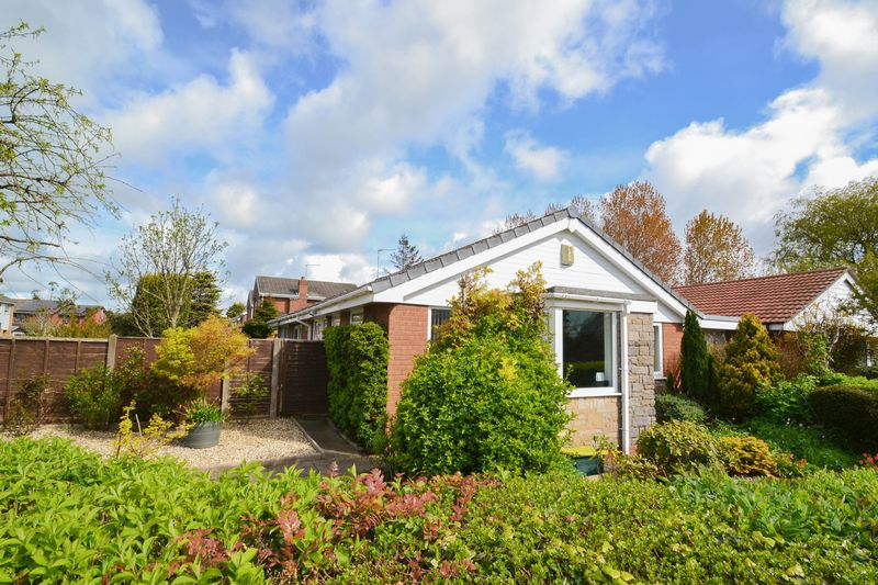 3 Bedrooms Detached Bungalow for sale in Windgate, Much Hoole, Preston