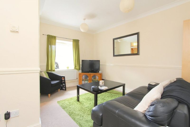 2 Bedrooms Flat for sale in Little Station Street, Walsall