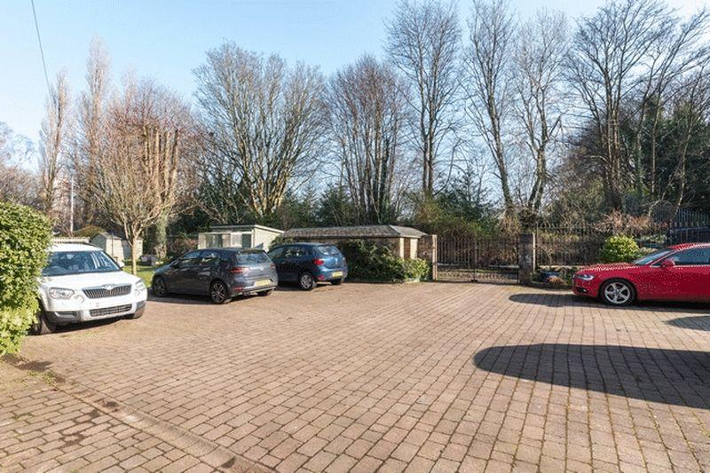 Kirklee Gardens