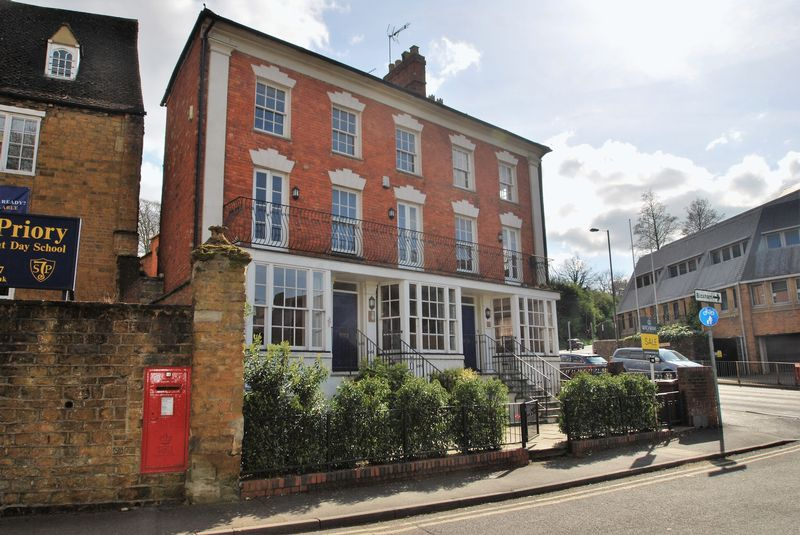 1 Bedroom Flat for sale in St Johns Place, Banbury