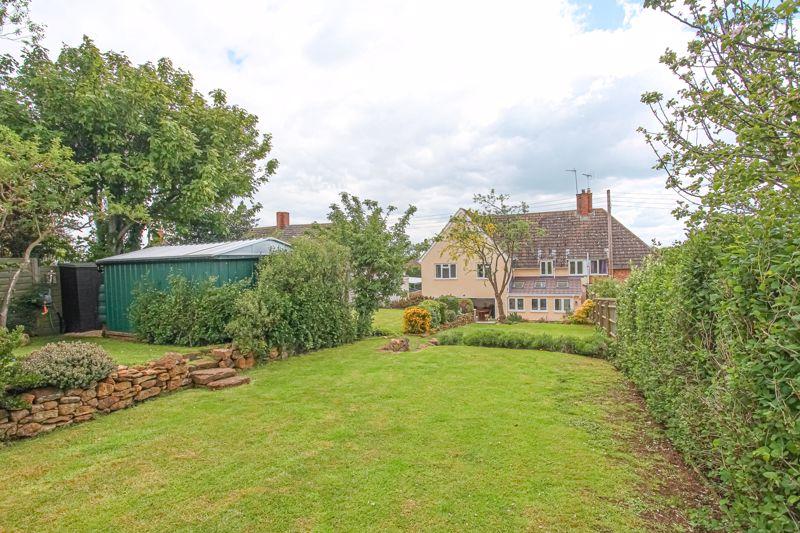 4 Ducketts Lane Farnborough